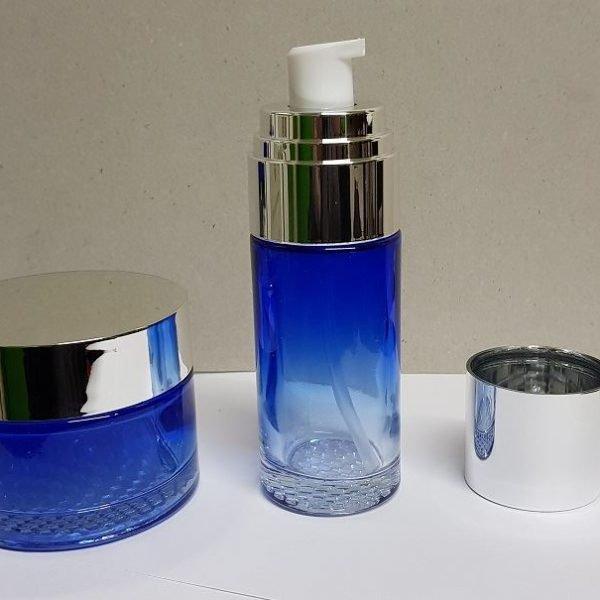 Pote recto y frasco azul